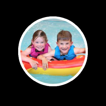 buble-kinderen-spelen-in-water
